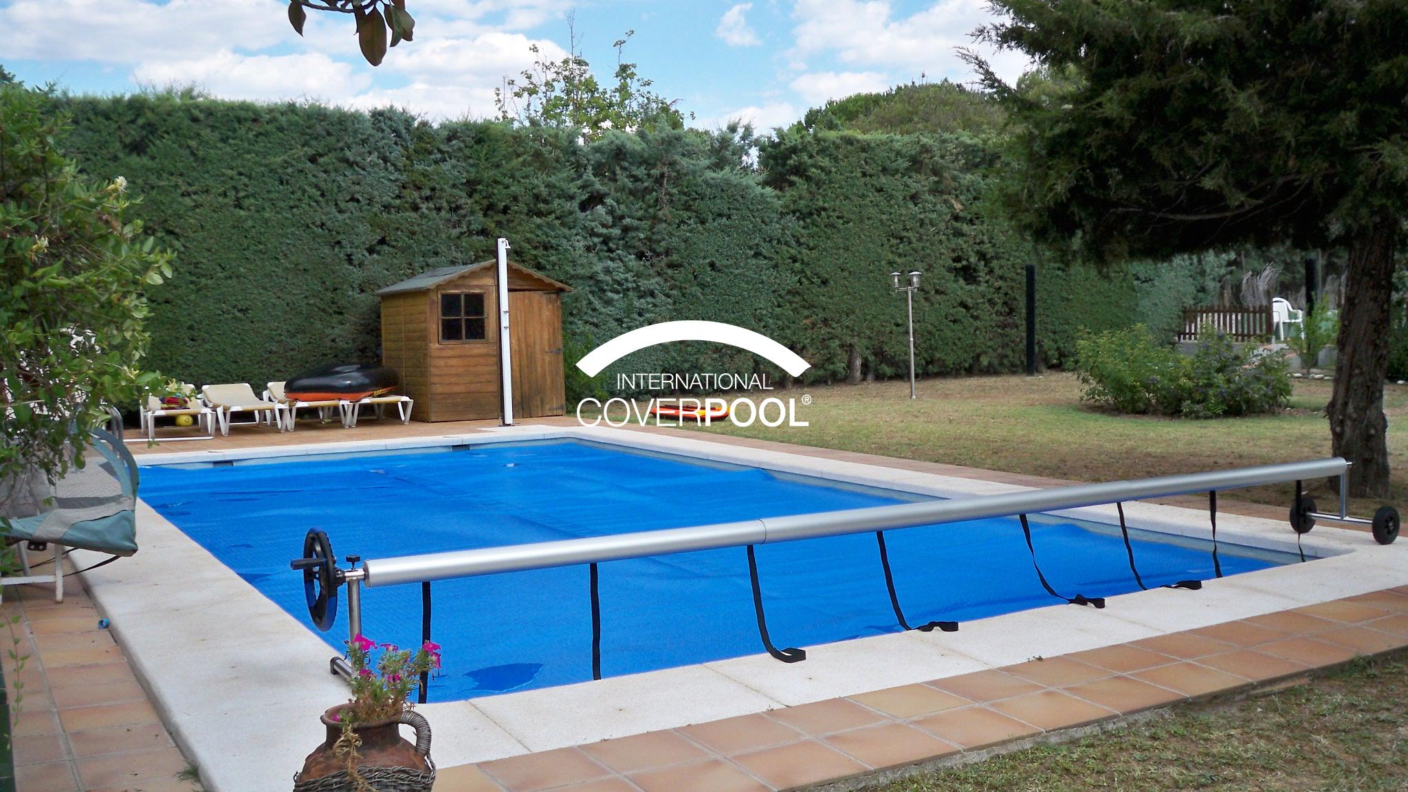 Cubrir piscina en verano. Ventajas.
