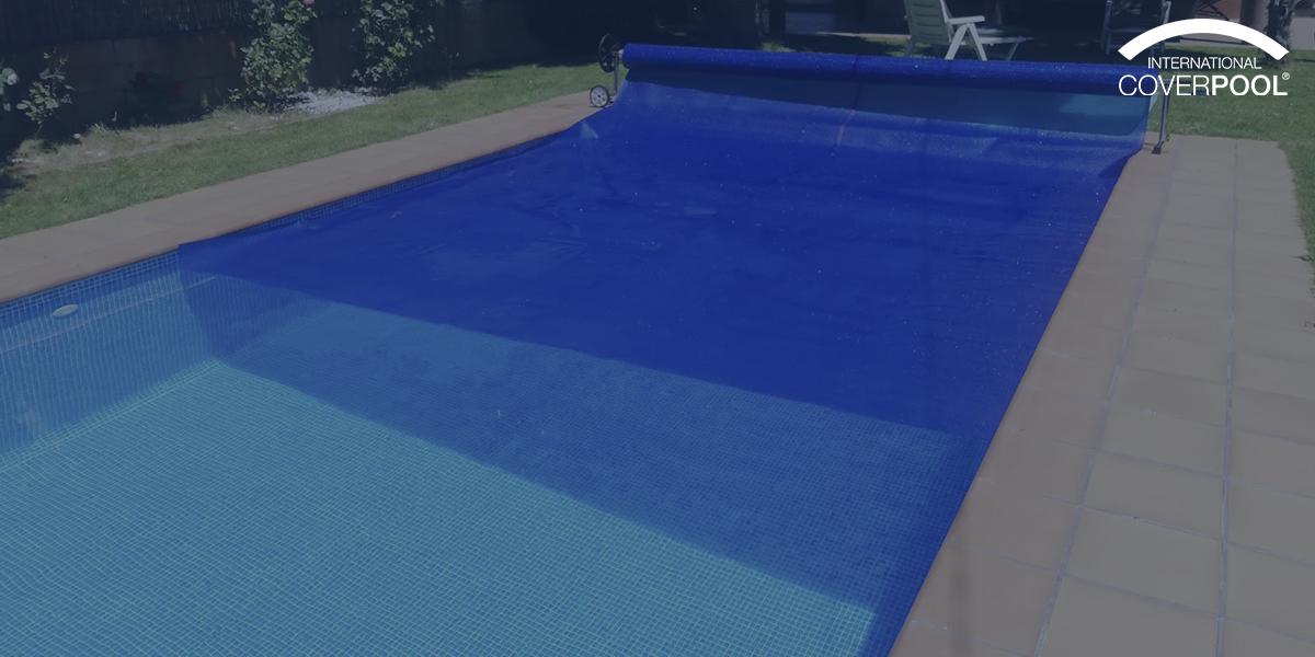 ¿Cómo funcionan los cobertores isotérmicos para piscina?